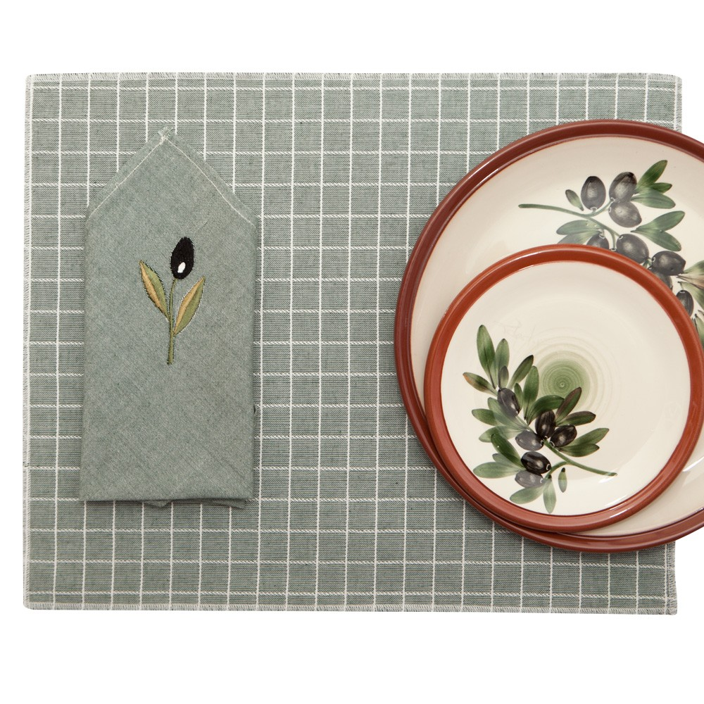 Cloth-Placemats-and-Cloth-Napkins-1