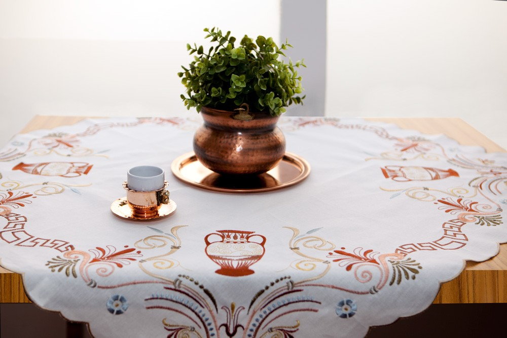 Embroidered-Tablecloths-1