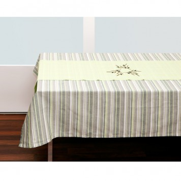Green-Tablecloth-and-Table-Runner-2